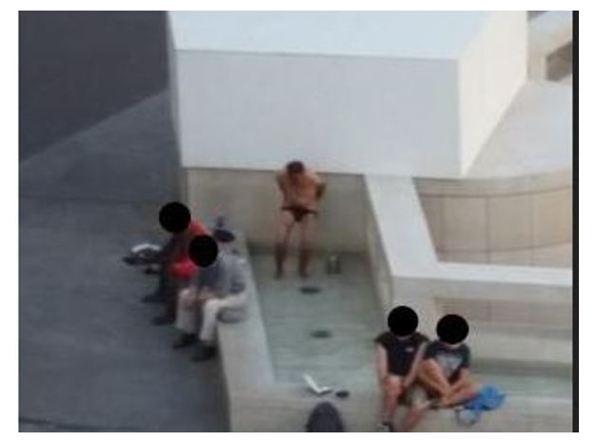 Bidet nella fontana di piazza vittoria beccalossi for Questura di brescia permesso di soggiorno online