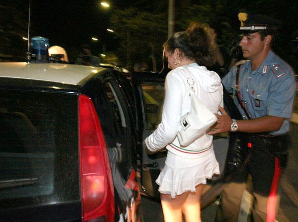 Chiede rinnovo del permesso di soggiorno arrestata for Permesso di soggiorno brescia