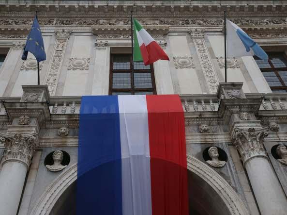 Brescia luned tutti in corso zanardelli per dire no al for Questura di brescia permesso di soggiorno online