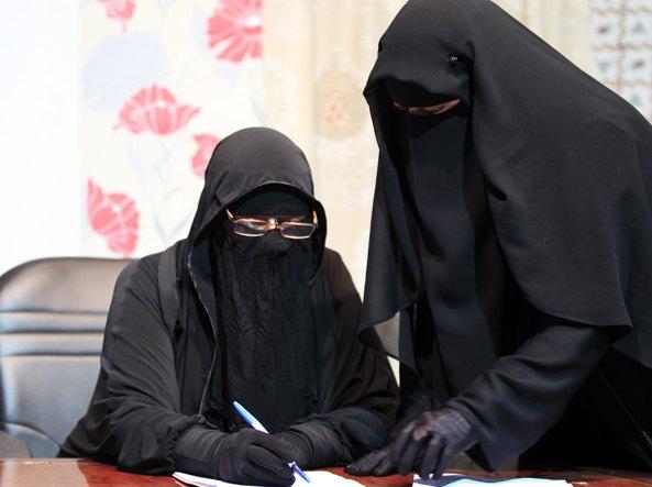 Burqa, divieto anche in Lombardia