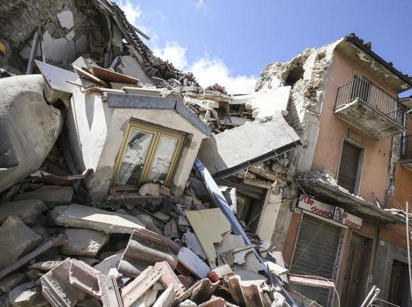Terremoto centro Italia. Le immagini shock del terribile sisma