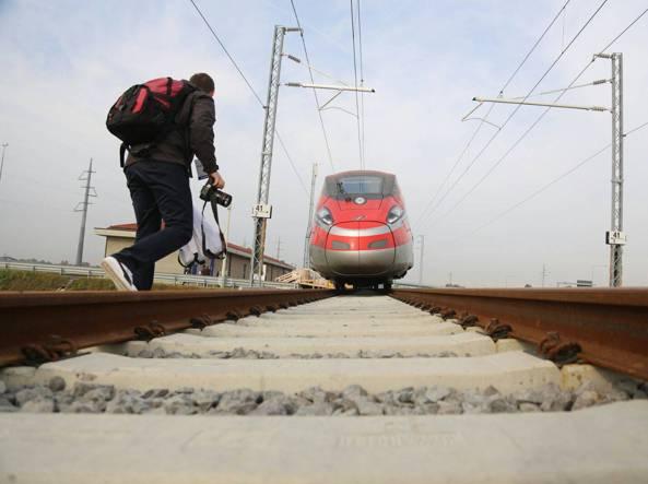 Fs: Mazzoncini, pronti a rilevare 51% TreNord per potenziare AV in Lombardia