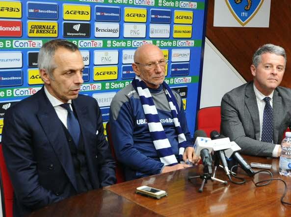 La presentazione di Luigi Cagni, allenatore che sostituisce l'esonerato Brocchi (LapressE)