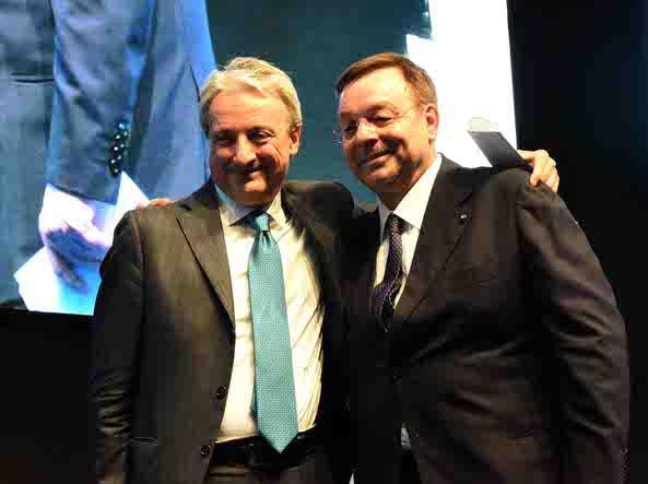 A sinistra Giuseppe Pasini, a destra l'ex presidente Marco Bonometti (Cavicchi/Lapresse)