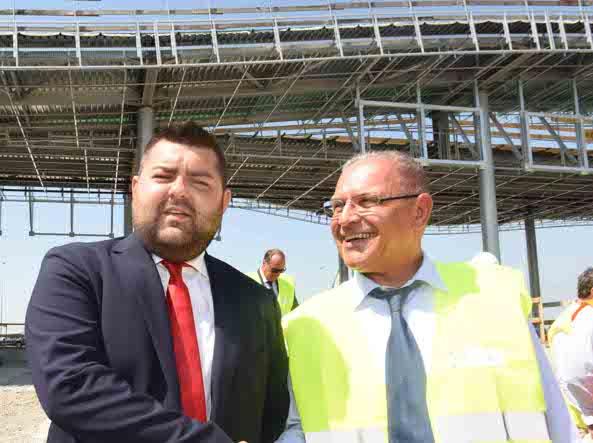 Alessandro Sorte, assessore alle infrastrutture di Regione Lombardia, e Bettoni, presidente Brebemi, mentre visitano i cantieri per l'interconnessione tra la A35 e la A4 (Cavicchi/Lapresse)