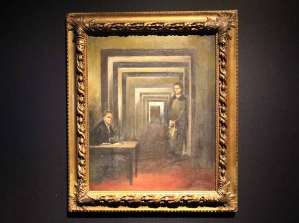 Salò, entra al museo tenta di squarciare il quadro di Hitler