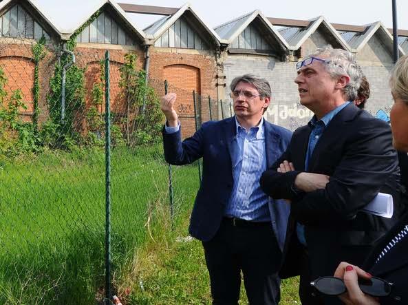 L'archistar Stefano Boeri con il sindaco Del Bono (Lapresse)